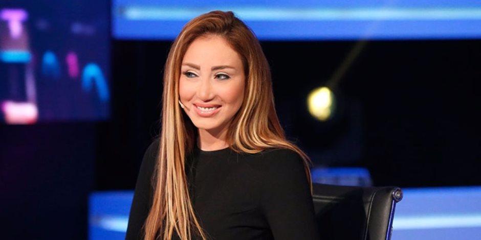 ريهام سعيد «على الأسفلت» عقب الانتهاء من إجراءات الإفراج عنها