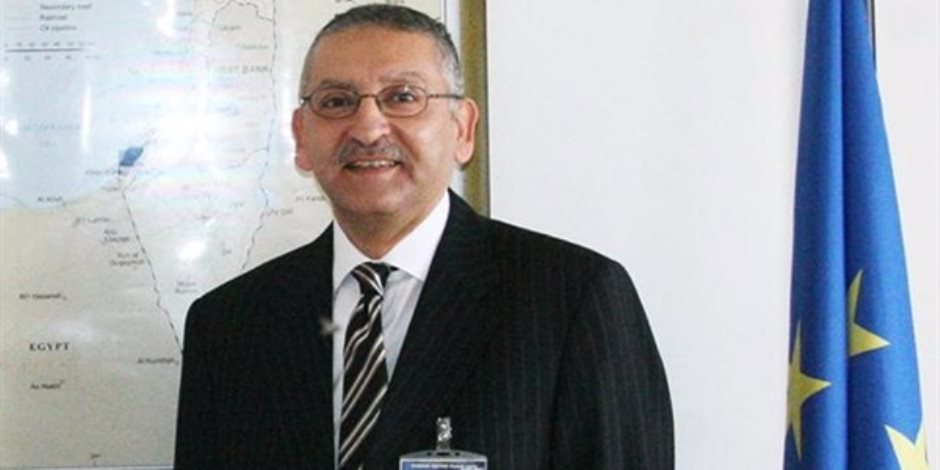 قرار جمهوري بمد خدمة سفراء مصر بالولايات المتحدة وفرنسا لمدة عام