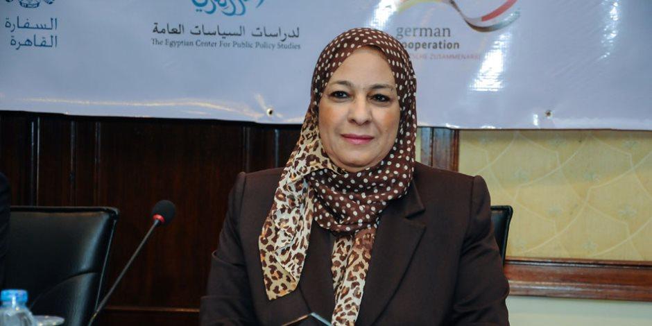 نائبه محافظ القاهرة تشدد على رفع مخلفات الردش من طريق الأوتوستراد