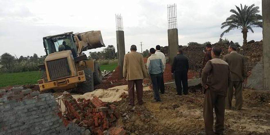 إزالة تعديات على مساحة 235 فدان أراضي أملاك دولة بالفرافرة في الوادى الجديد