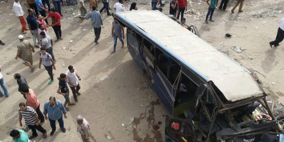 بسبب السرعة الجنونية.. إصابة 13 عاملا فى حادث انقلاب أتوبيس بالمنوفية