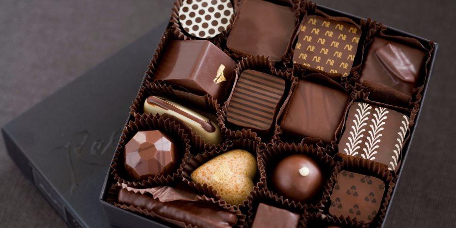 """""""للعشق أنواع"""" لو أنت من عشاق الحلويات إليك أسهل الأطعمة التي تكافح حبك لها"""