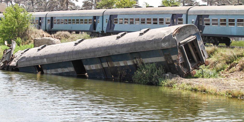 سكك حديد مصر في يومين: تعنيف للقيادات وإحالة موظفين للتحقيق وتصادم قطارين