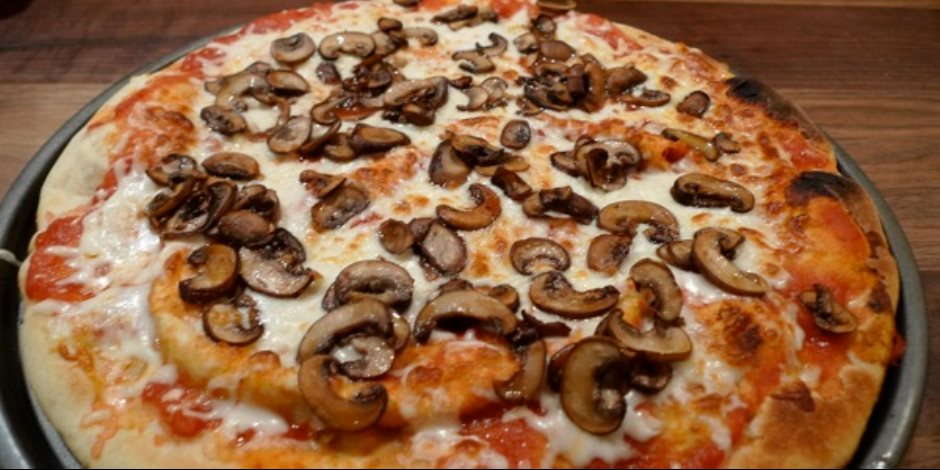 معلومات عن البيتزا هتخليك تفكر ألف مرة قبل تناولها