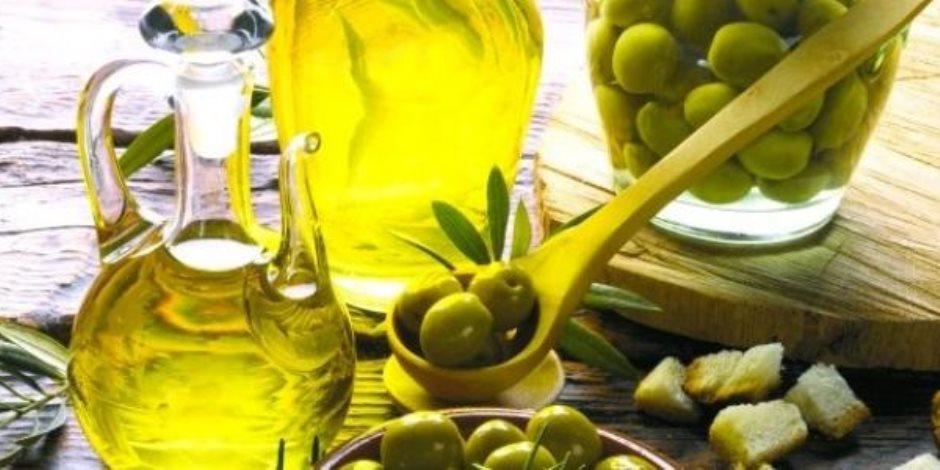 يحمى من الإصابة بمرض السكرى والسرطان.. فوائد زيت الزيتون