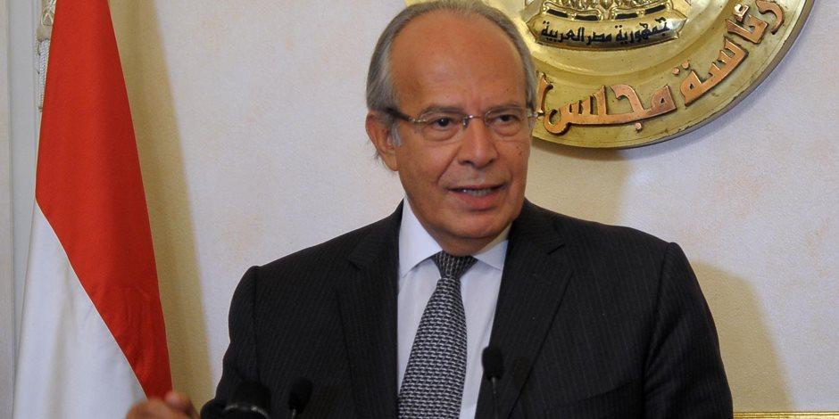 وزير التنمية المحلية يبدأ مؤتمر مكافحة الفساد بالوقوف دقيقة حداد على أرواح الشهداء
