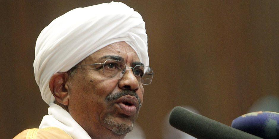 الرئيس السودانى يعود إلى بلاده بعد مشاركته فى القمة الإسلامية فى إسطنبول