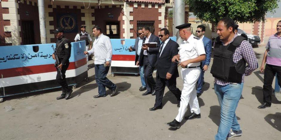 مدير أمن الإسكندرية يشن حملة مكبرة لإزالة الإشغالات (صور)