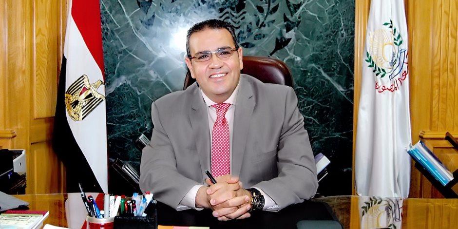 التفاصيل الكاملة لعزل مدير مكتب رئيس جامعة المنصورة.. والسبب (مستند)