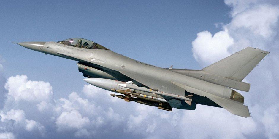 مقاتلتان صينيتان تعترضان طائرة عسكرية أمريكية