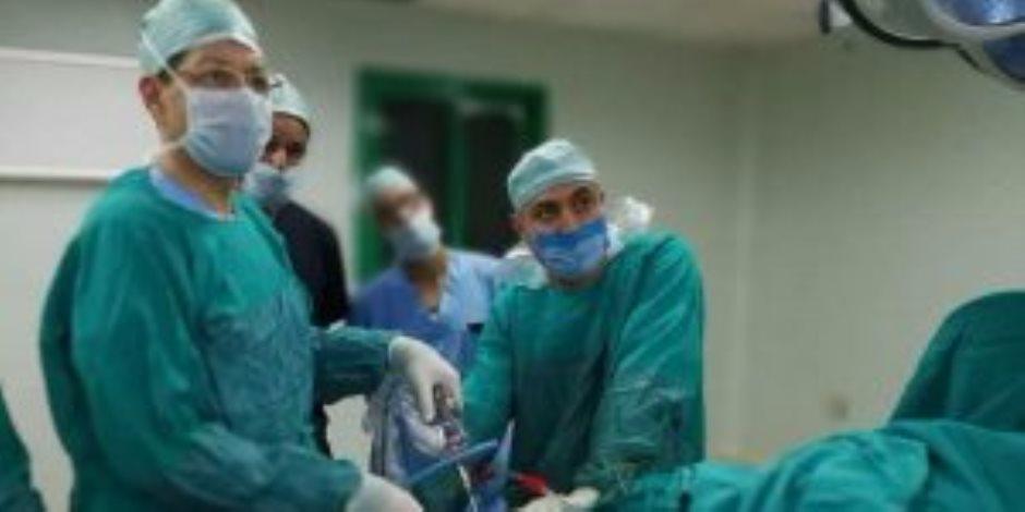 إجراء 20 عملية لإنهاء قوائم الانتظار بمستشفى الأقصر الدولي (صور)