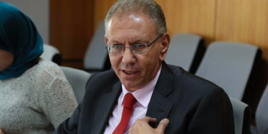 برلماني يناشد وزير التنمية المحلية باستشارة النواب في تعيين المحافظين