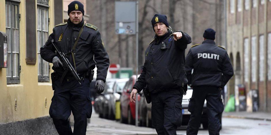 شرطة الدنمارك تفتش غواصة بعد اتهام مالكها بقتل صحفية