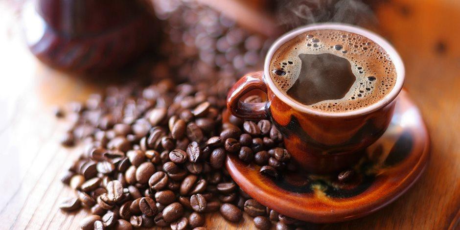 """""""صحتك في كوب قهوة"""" 4 فوائد يفعلها الكافيين بالجسم .. يعزز صحة العقل ويقوي العضلات"""