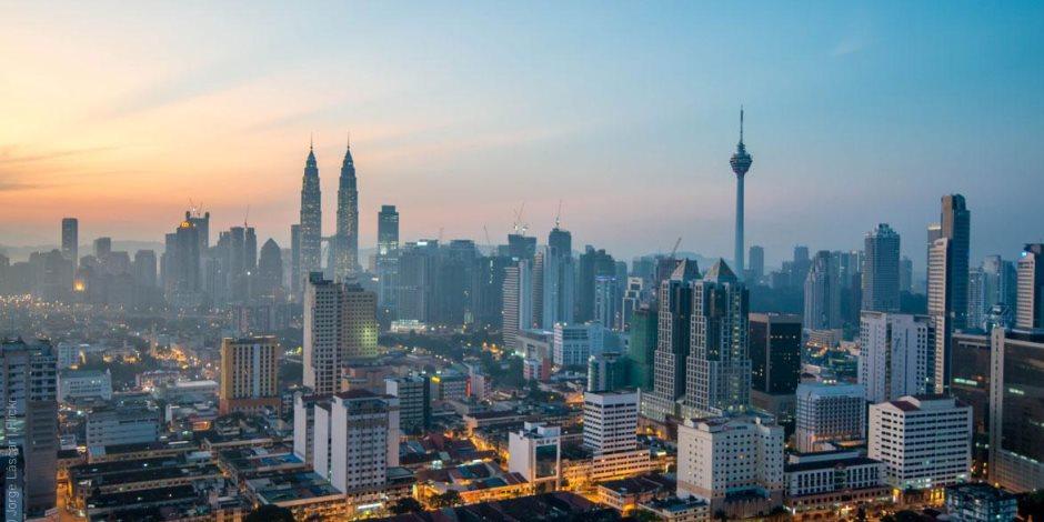 رئيس الوزراء الماليزي: تدفق الشركات متعددة الجنسيات يعكس الثقة بالاقتصاد الماليزي
