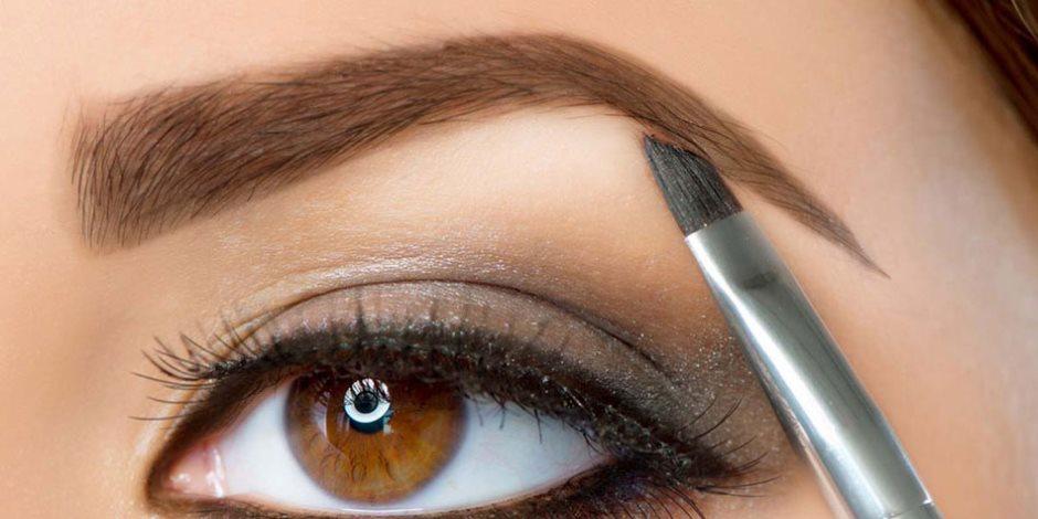 4 حلول للتخلص من الشعر الابيض والرمادي في الحواجب