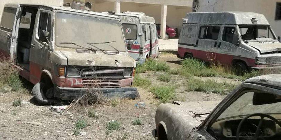 على حين غفلة من «رجال الأمن».. 3 أطفال يشعلون النيران بسيارات الإسعاف في القصر العيني