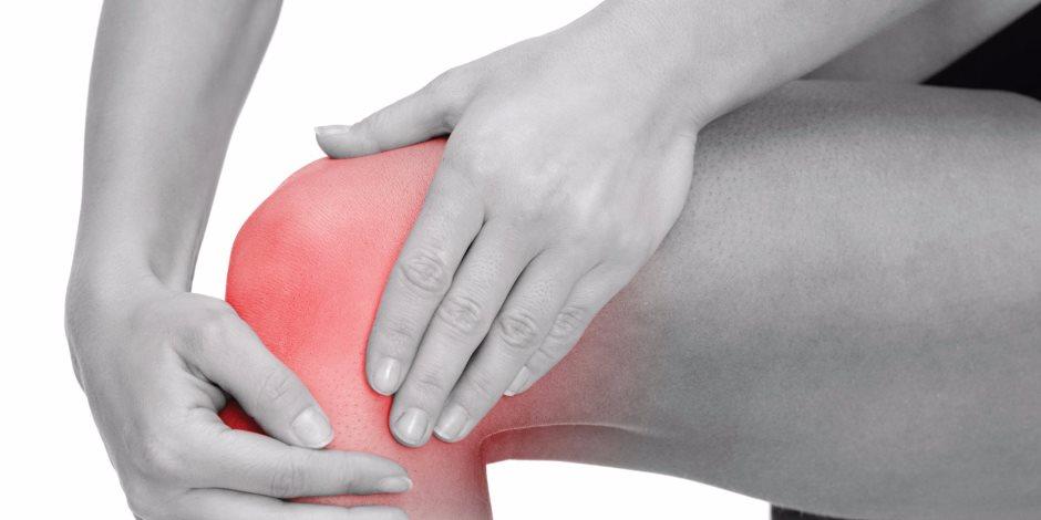 5 علاجات منزلية سحرية بالأعشاب للسيطرة علي آلام الركبة..بتسبب الاكتئاب