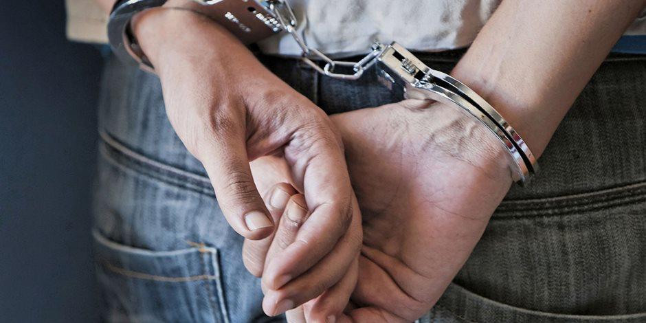 حبس مقاول ساوم أسرة طفلة مختطفة على إعادتها مقابل مبلغ مالى بأكتوبر