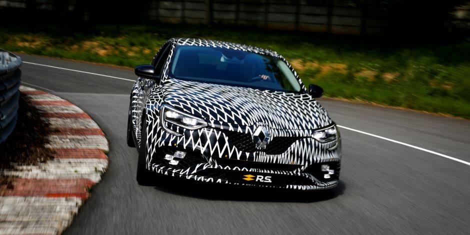 رينو تكشف عن ميجان RS في سباق مونت كارلو