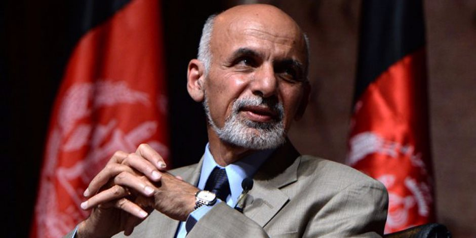 """ما وراء عملية الخندق الأفغانية.. الرئيس الأفغاني ينفي اتفاقا يتعلق بمصير النساء مع """"طالبان"""""""