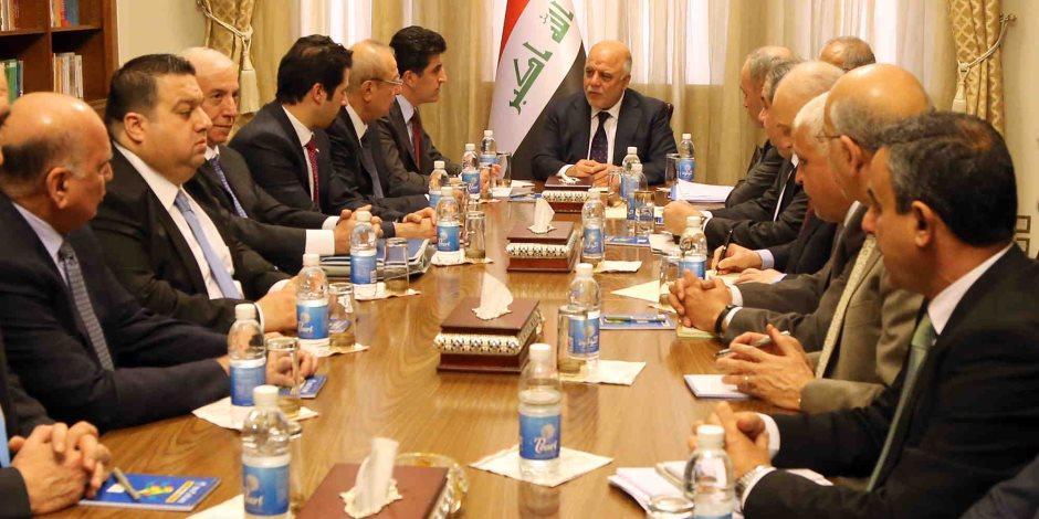 """""""البيشمركة"""" تطالب الحكومة العراقية ببدء الحوار لإنهاء أزمة استفتاء استقلال إقليم كردستان."""