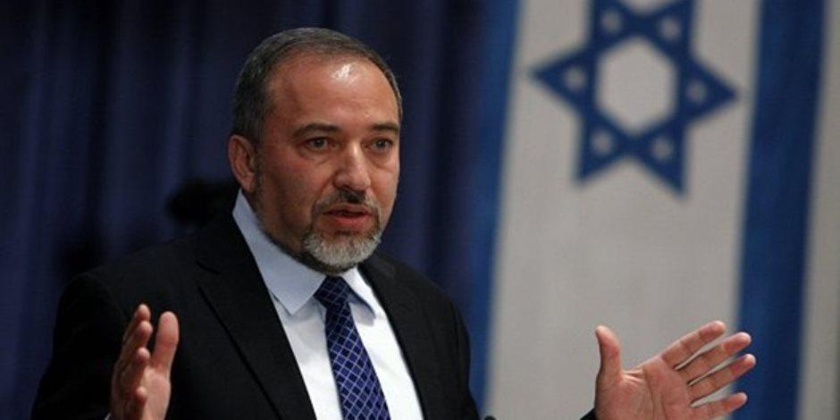 «هآرتس»: ليبرمان عارض إقامة جزيرة اصطناعية أمام غزة