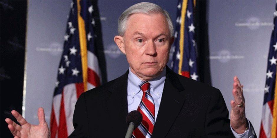 وزير العدل الأمريكي بهدد بالاستقالة.. والسبب ترامب