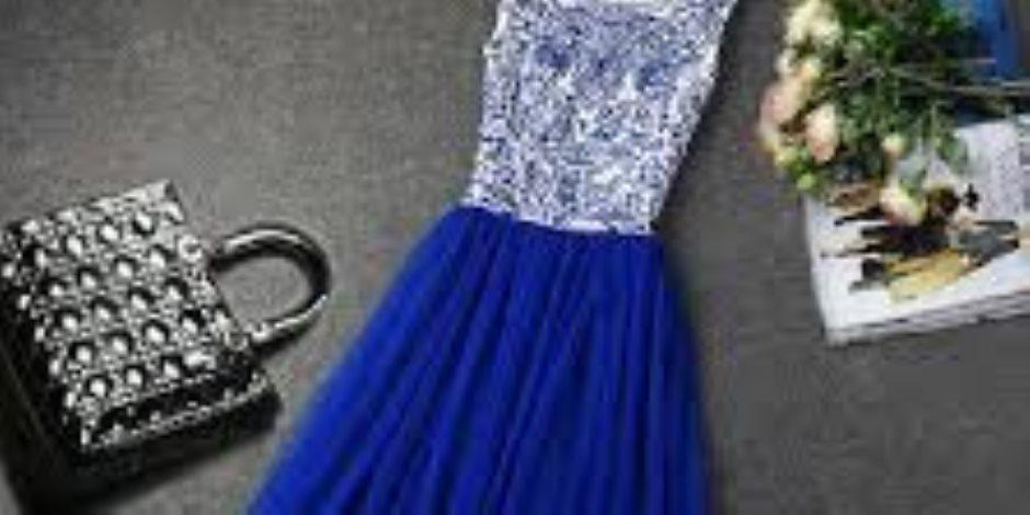 85d194ada5762 لو هتلبسي فستان أزرق.. خدى بالك من 4 حاجات عند اختيار ألوان المكياج ...