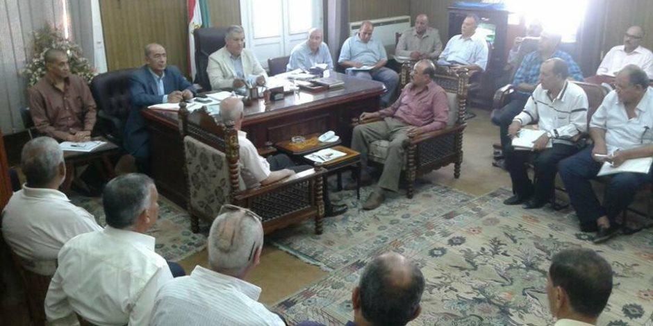 اجتماع للإدارة المركزية للري والزراعة لحصر مخالفات زراعة الأرز بالشرقية