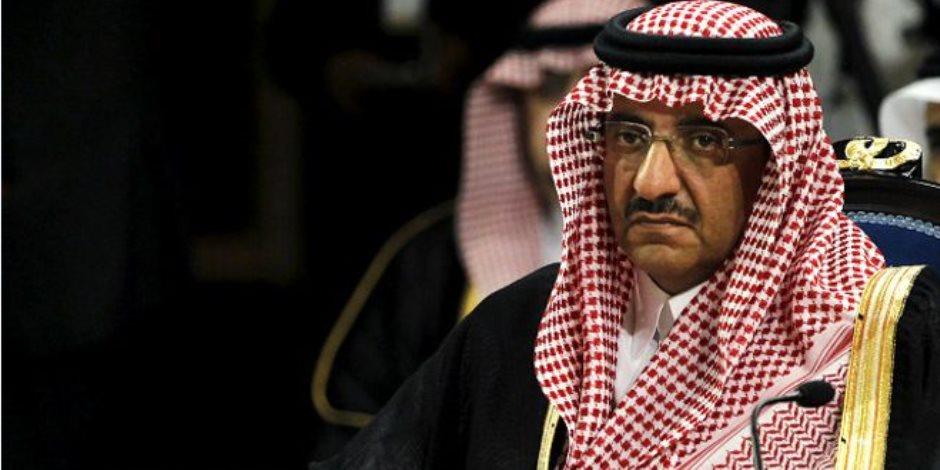 أول لظهور لولي العهد السعودي السابق مع حفيده بعد إعفاءه من منصبه (صور)