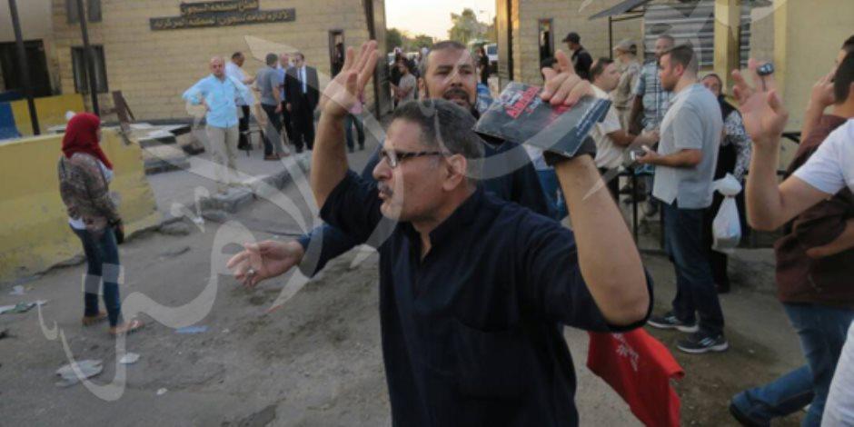 العيد فرحة.. عشرات السجناء على «الأسفلت» بموجب عفو رئاسي