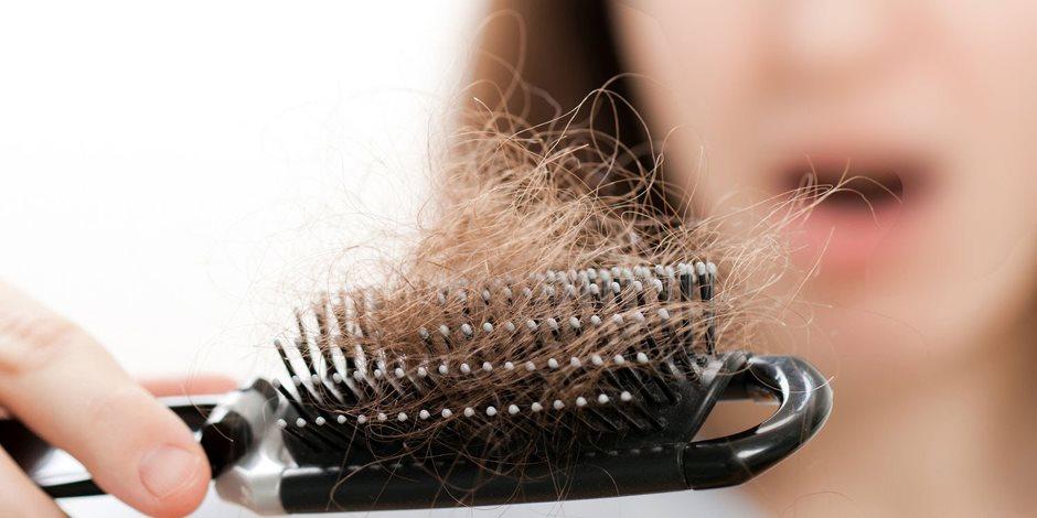 لو بتعاني من تساقط الشعر إليك هذه الحلول الطبيعية.. البصل والزنجبيل