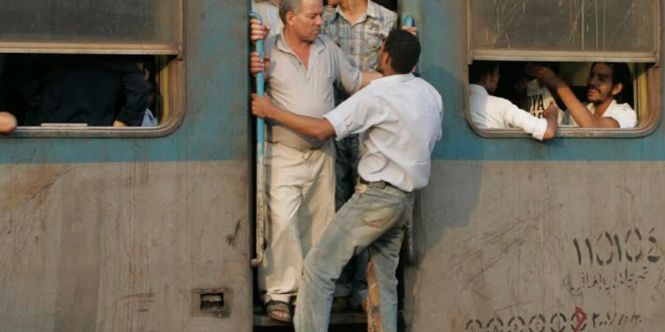 مصرع عامل إثر سقوطه من قطار بسوهاج