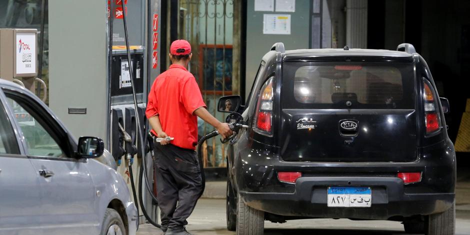 «لن تلغي الدعم».. زيادة أسعار الوقود في ميزان وزارة البترول