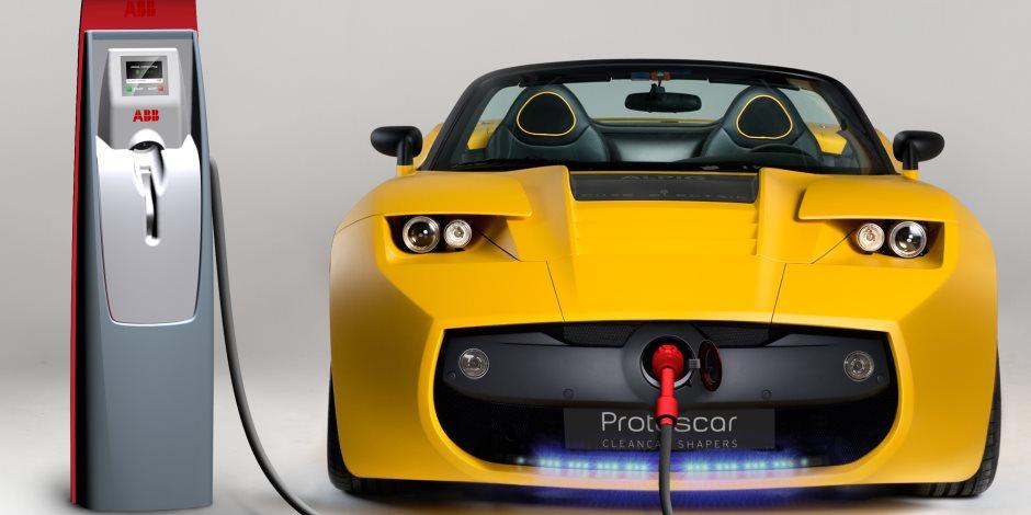 استيراد السيارات الكهربائية المستعملة يثير الجدل.. «المستثمرين»:«رديئة»..ومسؤول بشركة يطالب بضوابط لعدم فشل التجربة