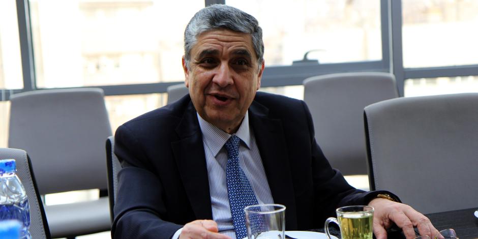 وزير الكهرباء يتسلم تقرير «أداء» الإسكندرية لتوزيع الطاقة