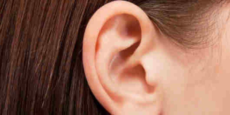 لو بتعاني من آلام الأذن إليك أهم الأسباب وطرق العلاج