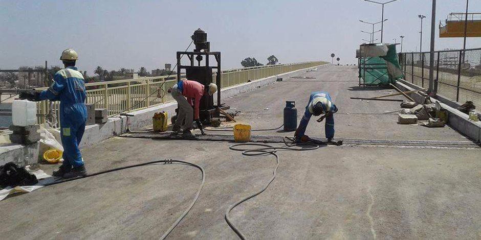 انتهاء رصف 98% من طريق ديروط - الفرافرة بتكلفة 1,6 مليار جنيه