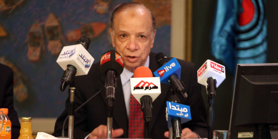 """محافظ القاهرة يشيد بمجهودات حي عابدين في ضبط """"أغذية بير السلم"""""""