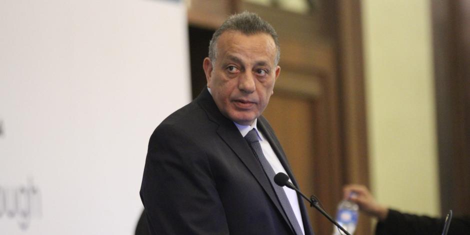 محافظ الجيزة: تسليم 40 ألف بطاقة تموينية في رمضان