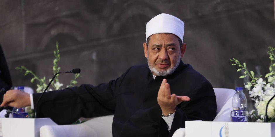 شيخ الأزهر في حديثه الأسبوعي: الإسلام وضع أحكامًا لحالات الانفصال بين الزوج والزوجة