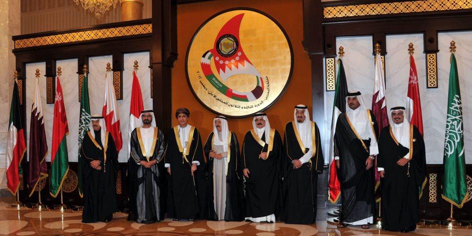 التحركات القطرية تجاه الغرب لا داعي لها.. الحل في الرياض