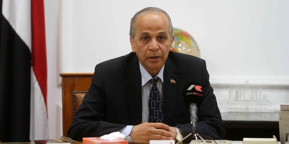 محافظ القليوبية ووزير التنمية المحلية يبحثان آلية التعامل مع اغتصاب أراض الدولة