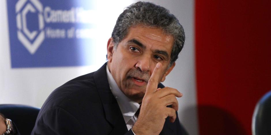 """وزير البيئة: الفلاحين حرقوا قش الأرز أثناء مباراة مصر والكونغو و""""أنا شميت الريحة"""""""