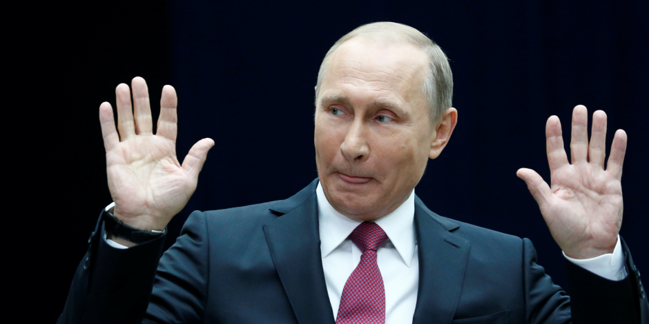 """بعد معاقبة أمريكا لـ200 شخص من المقربين له.. بوتين: """"شكلهم نسيوني"""""""