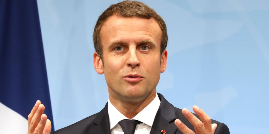 ماكرون يجتمع بقادة الجيش الفرنسى بعد توجيه ضربة جوية لسوريا