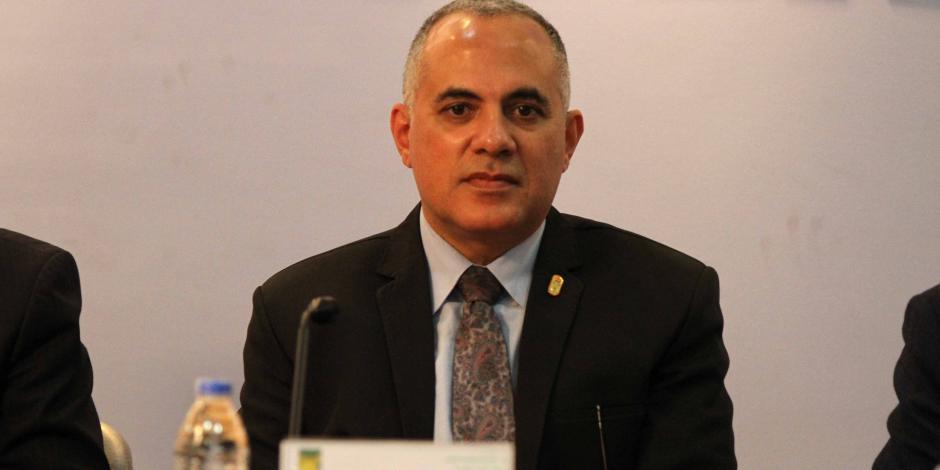 وزير الري يتلقى تقريرا بشأن إنجازات قطاع المياه الجوفية في مجال حفر الآبار