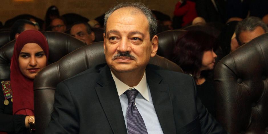 النائب العام يأمر بالتحفظ على أموال سكرتير عام محافظة السويس المتهم بالرشوة