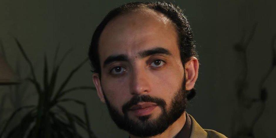 قيادي إخواني ينقلب على الجزيرة: تظهر عواجيز الجماعة بإعلانات مدفوعة الأجر
